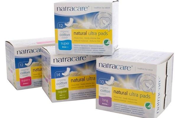Absorventes Natracare, a marca britânica chega ao Brasil sem traduzir as caixas e pode gerar confusão na hora da escolha (Foto: Divulgação)