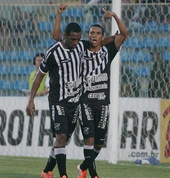 Anselmo após gol contra o Tiradentes pelo Campeonato Cearense no PV (Foto: Alex Costa/Agência Diário)