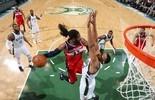 Nenê vai bem, mas Wizards caem para Bucks e veem playoffs longe (Getty)