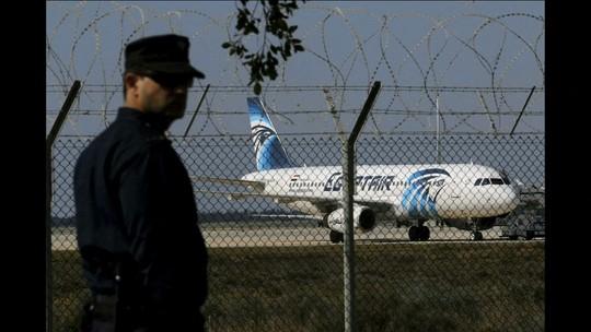 Homem sequestra avião no Egito e desvia voo para o Chipre