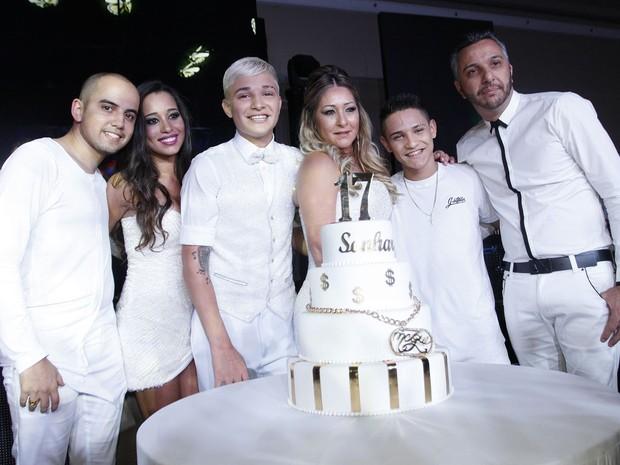 MC Gui comemora aniversário com a família em São Paulo (Foto: Celso Tavares/ EGO)