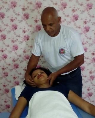 Massagista Jorge Tatu tem 45 anos de profissão (Foto: Arquivo pessoal)