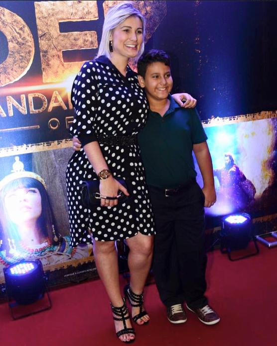 Andressa Urach com o filho, Arthur (Foto: Reprodução/Facebook)