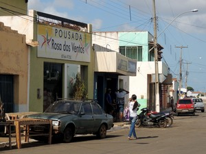 Pousada foi construída durante construção de eólicas em Parazinho (Foto: Felipe Gibson/G1)