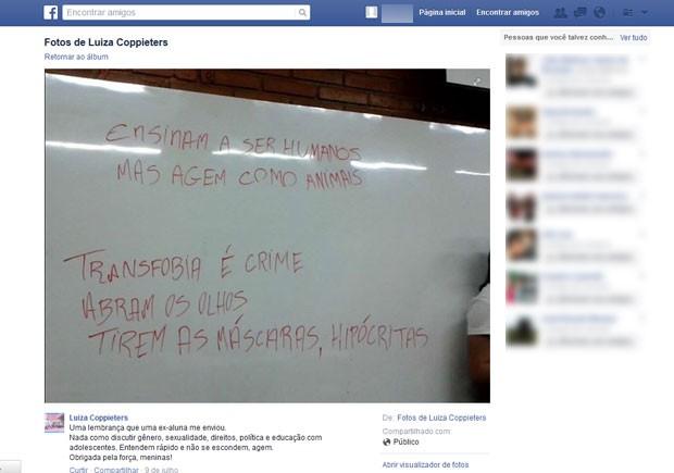 Facebook de Luisa Coopters compartilha foto que alunas tiraram da lousa do Anglo (Foto: Reprodução/ Arquivo pessoal / Facebook)