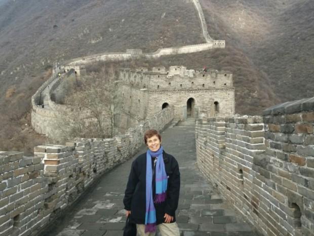 Arcelina Helena, de Goiás, visita a Muralha da China (Foto: Arquivo Pessoal/Arcelina Helena)