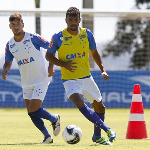 Arrascaeta; Fabrício Bruno; Cruzeiro (Foto: Washington Alves / Light Press)