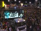 'Te amo, Gil', diz Carlinhos Brown durante homenagem ao cantor