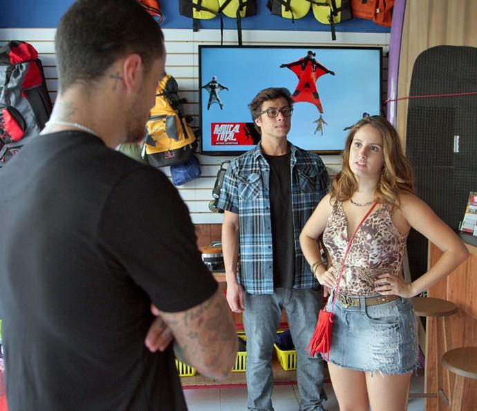 Nanda diz que quer trabalhar na loja e Filipe não gosta (Foto: TV Globo)