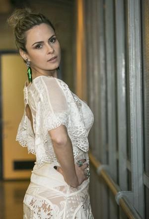 Ana Paula nos bastidores dos Estúdios Globo (Foto: Raphael Dias/Gshow)