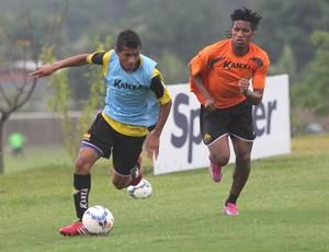 Andrew Cortez Criciúma treino (Foto: Fernando Ribeiro / Criciúma EC)