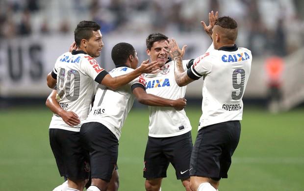 Comemoração Corinthians contra o Internacional (Foto: Marcos Ribolli)