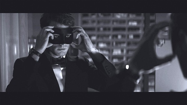 Jamie Dornan em cena de 'Cinquenta tons mais escuros' (Foto: Divulgação)
