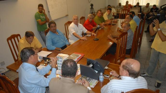 Reunião na Federação Paraense de Futebol (Foto: Ary Souza)