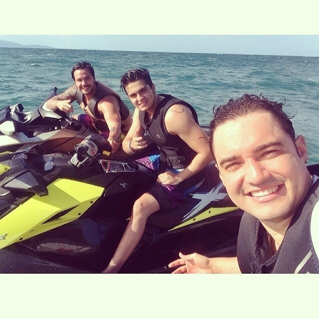 Gustavo Mendonça, Luan Santana e mais um amigo (Foto: Reprodução/Instagram)