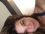 Cristiana Oliveira faz selfie na cama e recebe elogio: 'Linda'
