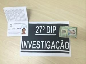 Suspeita era  investigada por estelionato e corrupção ativa (Foto: Diego Toledano/G1 AM)