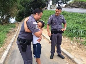 História de Stephany comoveu policiais de Santos (Foto: Solange Freitas / G1)