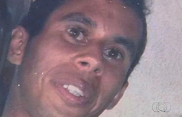 José Maycon Anselmo de Souza sumiu em Aparecida de Goiânia, Goiás (Foto: Reprodução/TV Anhanguera)
