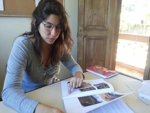Daniela Egger, geógrafa e assesora jurídica popular do CDDH em Petrópolis (Foto: Andressa Canejo/G1)