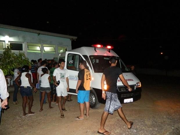 Corpos das vítimas foram levados para o hospital de Fronteiras (Foto: Jakson Sousa)