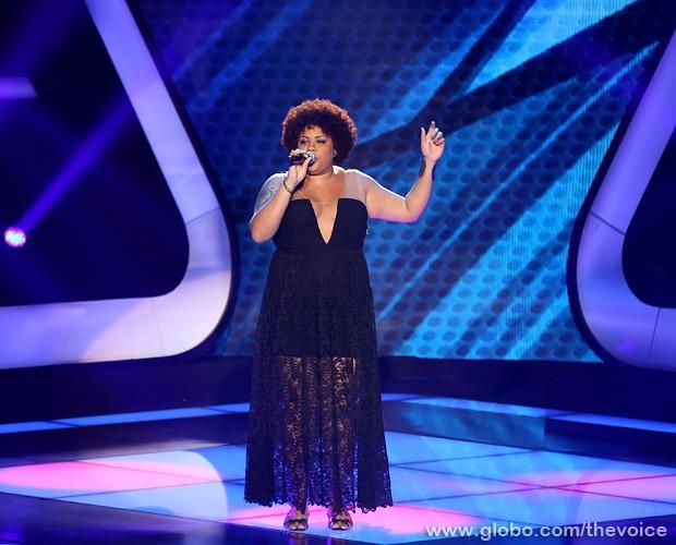 Amanda Chaves se apresenta no The Voice Brasil  (Foto: Isabella Pinheiro/TV Globo)