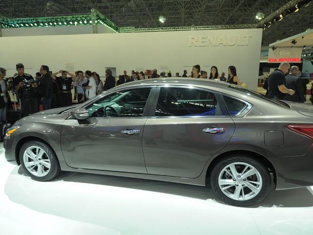 O sedã Altima é um dos lançamentos apresentados pela Nissan (Foto: Flavio Moraes/G1)