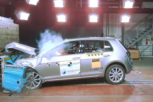 Volkswagen Golf nacional conquista cinco estrelas em crash teste (Foto: Divulgação)