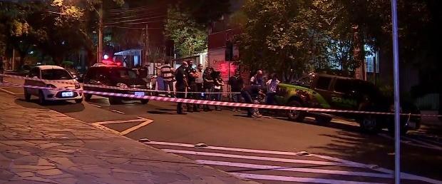 Tentativa de assalto ocorreu no bairro Moinhos de Vento, em Porto Alegre (RS) (Foto: Reprodução/RBS TV)