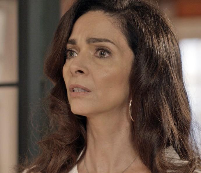 Enfermeira se desespera! Por essa ela não esperava! (Foto: TV Globo)