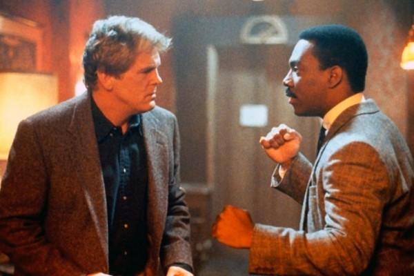 Nick Nolte e Eddie Murphy em cena de 48 horas (1982) (Foto: Divulgação)
