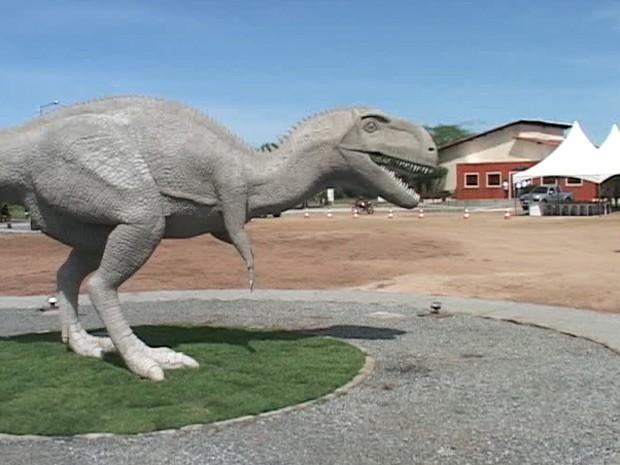 Vale dos Dinossauros, em Sousa no Sertão da Paraíba, foi reaberto após reformas (Foto: Beto Silva/TV Paraíba)