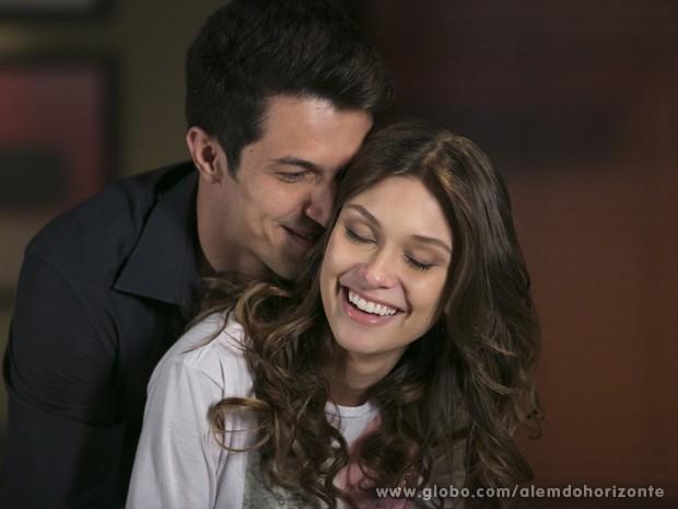 Álvaro encontra sua amante, Fernanda (Foto: Felipe Monteiro/TV Globo)