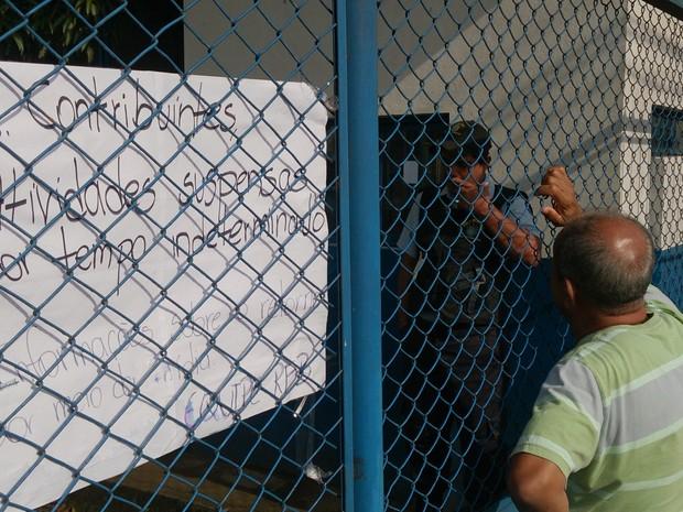 Contribuinte busca atendimentoe é informado que nada funcionada na Receita Federal em Porto Velho (Foto: Assem Neto/G1 RO)