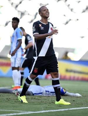 Luis Fabiano quase marca aos 20 do primeiro tempo (Foto: André Durão)