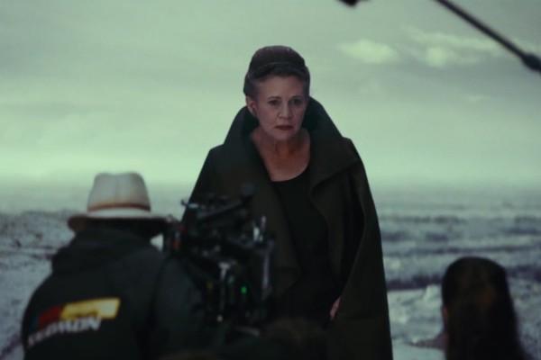 A atriz Carrie Fisher no vídeo de bastidores do próximo Star Wars (Foto: Reprodução)