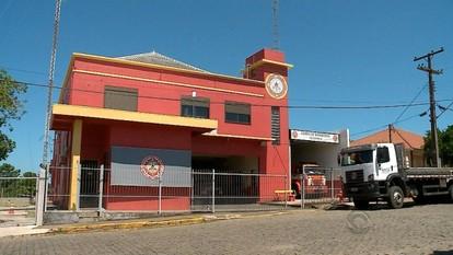 Bombeiros de Estrela suspendem serviço por dez dias