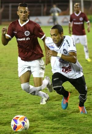 Edu, atacante do Rio Branco-ES (Foto: Carlos Alberto Silva/A Gazeta)