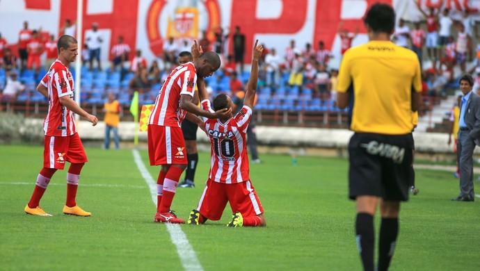 Jonata comemora primeiro gol com a camisa profissional do CRB (Foto: Ailton Cruz/Gazeta de Alagoas)