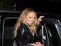 Mariah Carey dispensa calcinha e mostra intimidade