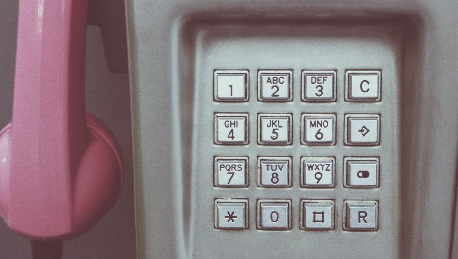 Pelo menos um orelhão deve ser instalado em locais já atendidos com telefonia fixa (Foto: Pexels)