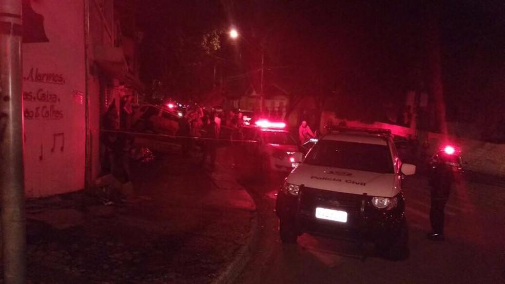 Briga termina com três homens mortos na zona leste de São José dos Campos (Foto: Divulgação/DIG)