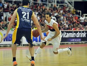 Duda basquete jogo Flamengo São José (Foto: João Pires / LNB)