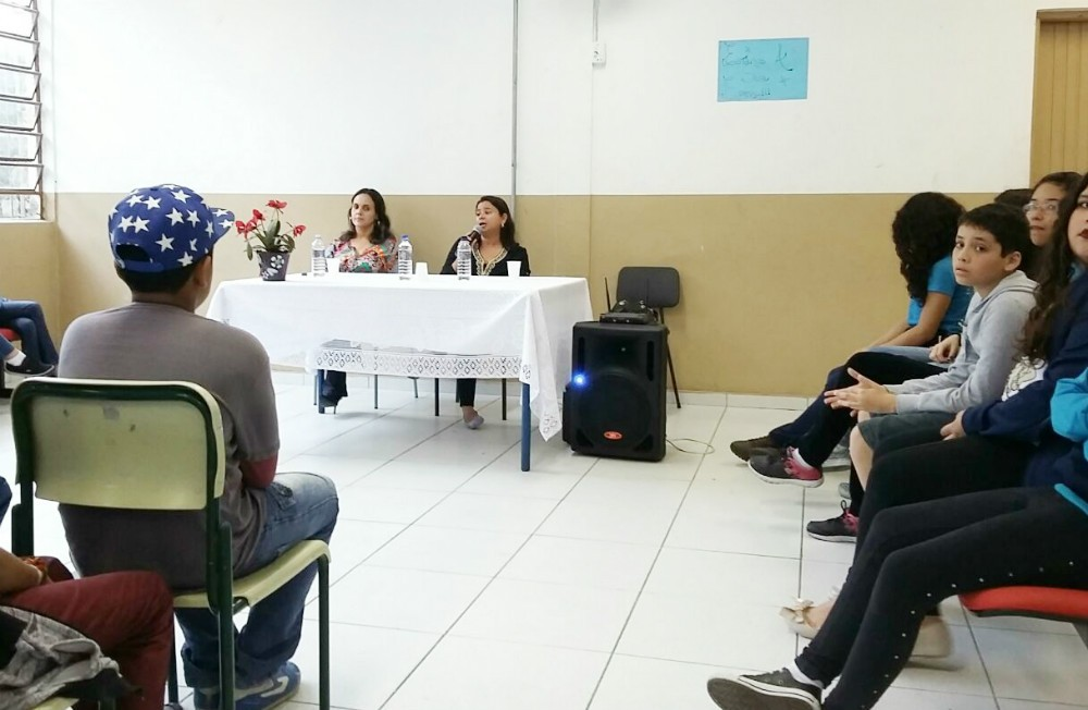 Dione Aguiar visita escola (Foto: Arquivo Pessoal)