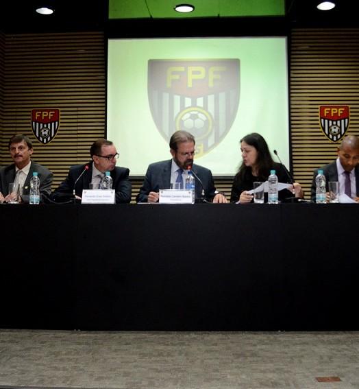 prós e  contras (Rodrigo Corsi / FPF, Divulgação)