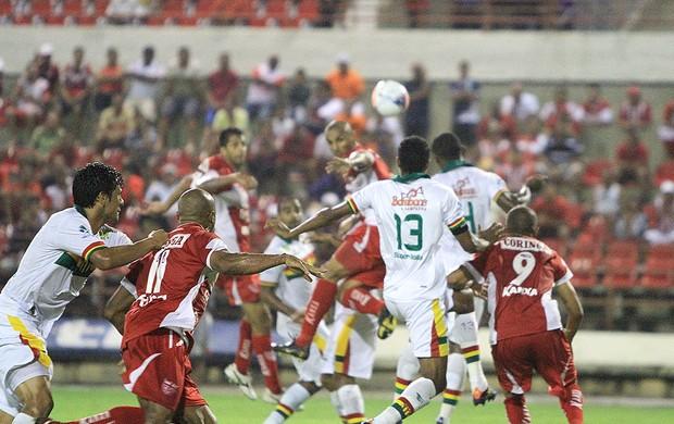 CRB e Sampaio duelam em Maceió (Foto: Ailton Cruz/ Gazeta de Alagoas)