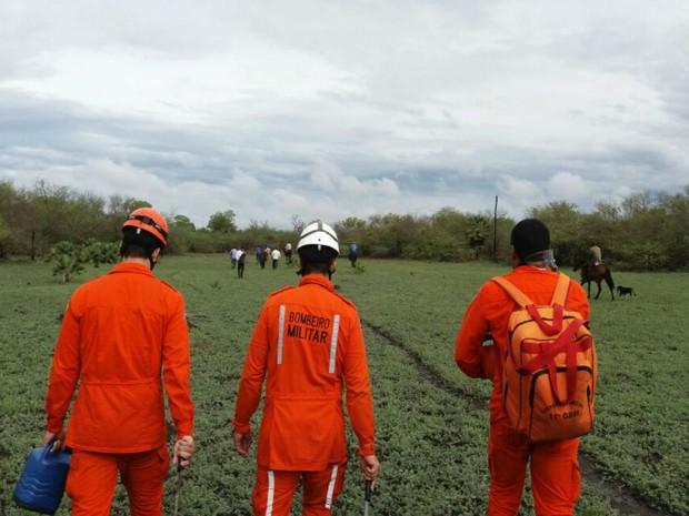 Bombeiros chegaram a usar helicóptero para localizar o menino  (Foto: Blog do Sigi Vilares)