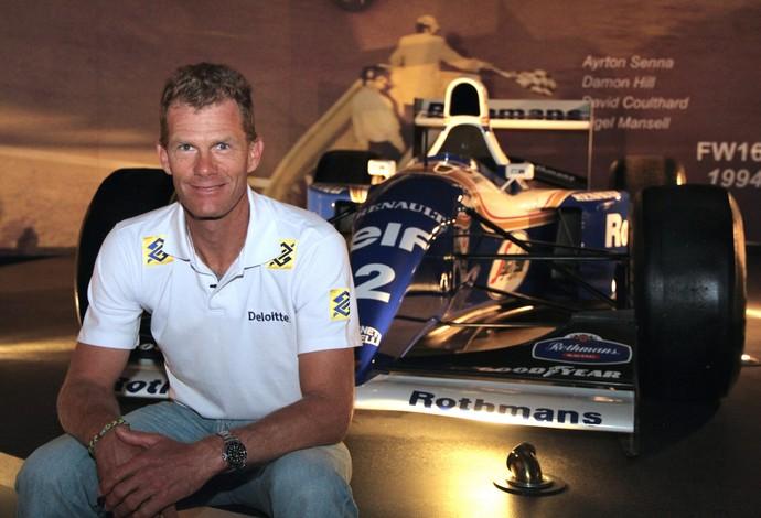 Robert Scheidt vive dia de Formula 1 na sede da escuderia Williams (Foto: Divulgação)