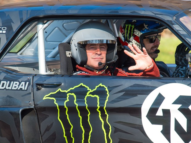 Matt LeBlanc ao lado de Ken Block durante filmagem do programa Top Gear no último domingo (Foto: Dominic Lipinski/PA via AP)