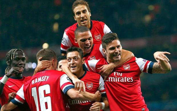 Ozil comemoração Arsenal contra Napoli (Foto: Reuters)